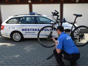 Stále víc měst nabízí značení jízdních kol. Je to prevence proti krádeži