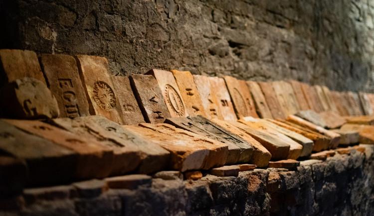 V Zábřehu jsou k vidění starobylé cihly. Některé jsou z dob Marie Terezie
