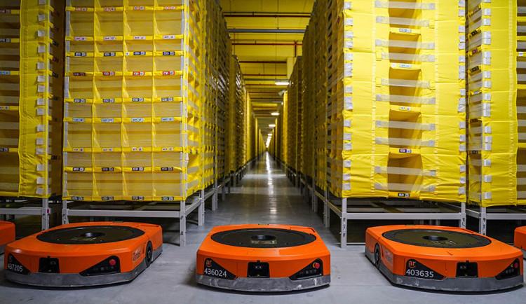 Amazon v Kojetíně buduje logistické centrum, nabídne tisíce pracovních míst