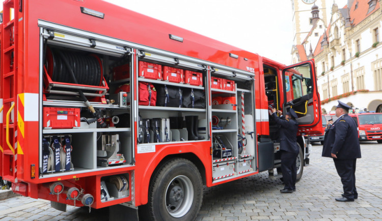 Hasičům z Chválkovic pomůže v boji s plameny Valerie. Nová cisterna stála miliony