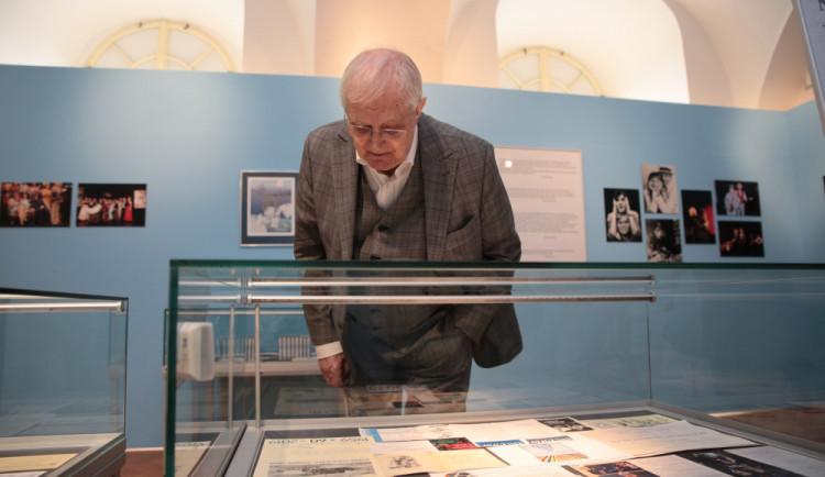 Moje sbírky nejde zkompletovat, říká k narozeninové výstavě Jiří Suchý