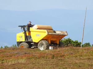 Ochránci přírody mají další důkazy, že stavba rozhledny na Králickém Sněžníku ničí přírodu