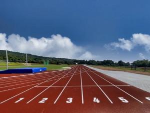 Ve Šternberku se otevřel moderní atletický stadion. Na zavlažování využije dešťovou vodu