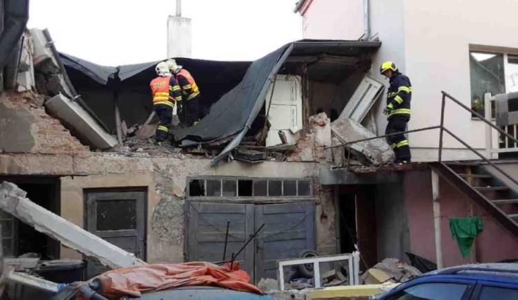Exploze v centru Litovle. Pro popáleného muže letěl vrtulník