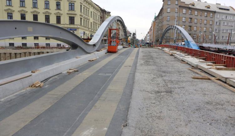 Rejnok rozsvítí prostor nad řekou. Most dostane slavnostní osvětlení za dva miliony