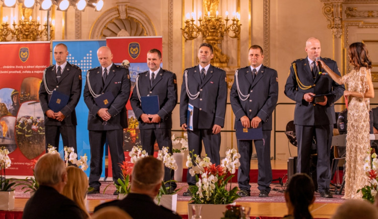 Hasiči z Olomouckého kraje získali ocenění za vývoj unikátních odtahových vozíků