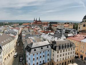 Olomouc prohodí jednosměrky u náměstí. Cestu si tudy zkracují stovky aut denně