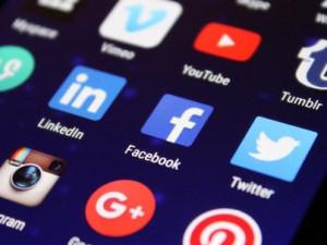 Sociální sítě vyřadí až osminu uchazečů o práci. Zaměstnavatelům vadí nevhodné fotky i xenofobní názory