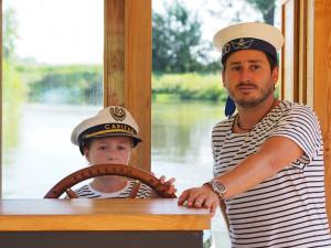 Než Ololoď vyplula, bylo potřeba přes sto schůzek, říká kapitán Šimon Pelikán