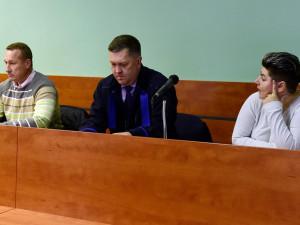 Podmínky za napadení romských dětí. Olomoucký soud potvrdil manželům tresty