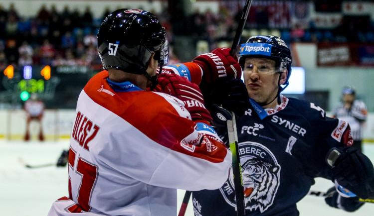FOTOGALERIE:  Liberec skolil na domácím ledě Moru gólem v poslední minutě