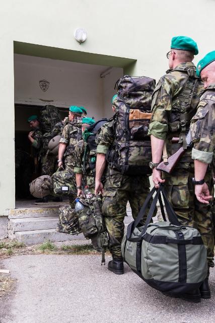 vojáci randí russell datování